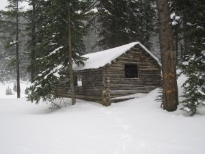 picture of a winter cabin