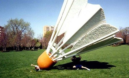Funny Pictures of Giant Badminton Birdy