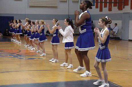 Funny Pictures of Giant Cheerleader