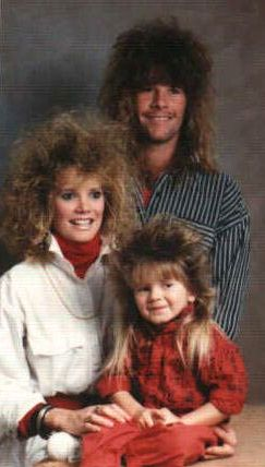 Funny Pictures of Family Picture With Frizzy Hair